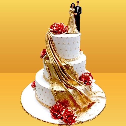Classy Couple Wedding Cake